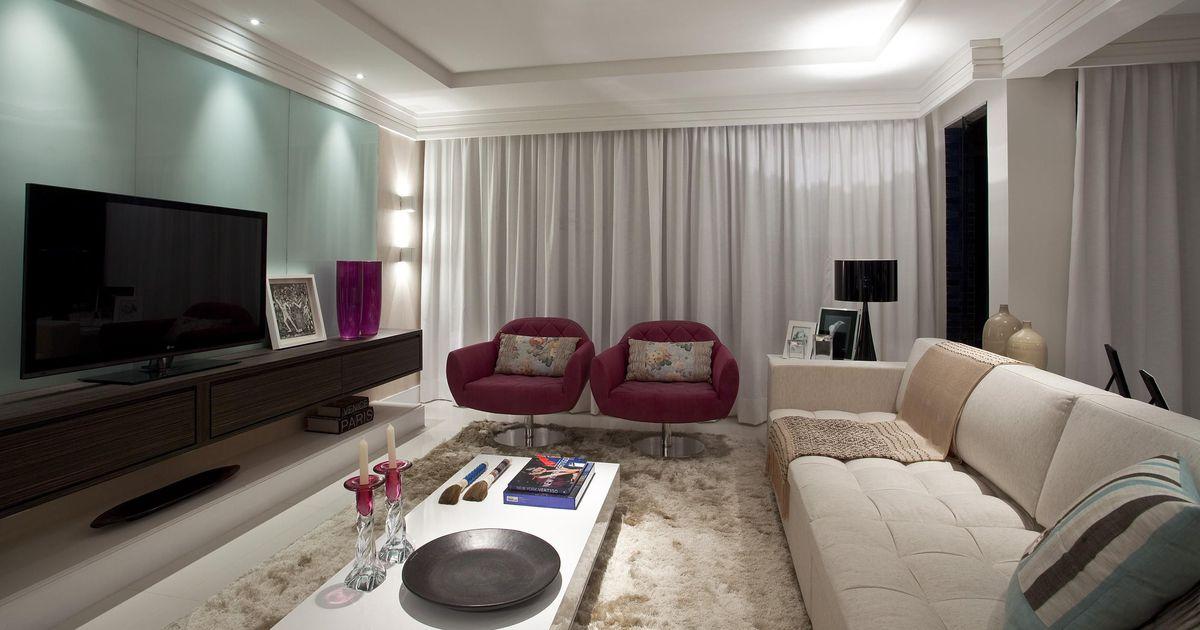 Sala de estar com poltronas bord de rodrigo fonseca for Sala de estar homescapes