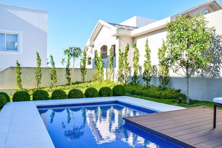 Piscina Com Jardim Em Volta De Bender Arquitetura 82824