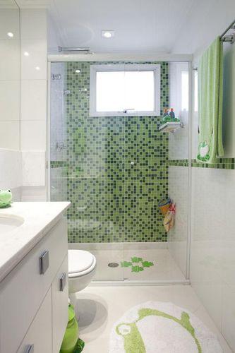 Banheiro com pastilha Verde de Deborah Basso  63669 no Viva Decora # Banheiros Simples Verde