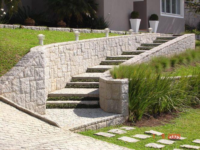 escadas externas jardim : escadas externas jardim:Área externa com escada de pedras de Daniela Lopes – 29313 no Viva