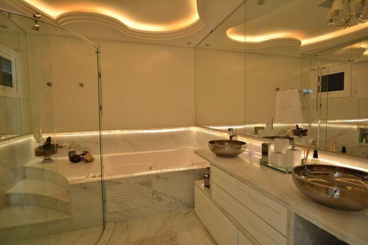 Banheiro com banheira de Paulinho Peres  70591 no Viva Decora -> Banheiro Com Banheira Metragem
