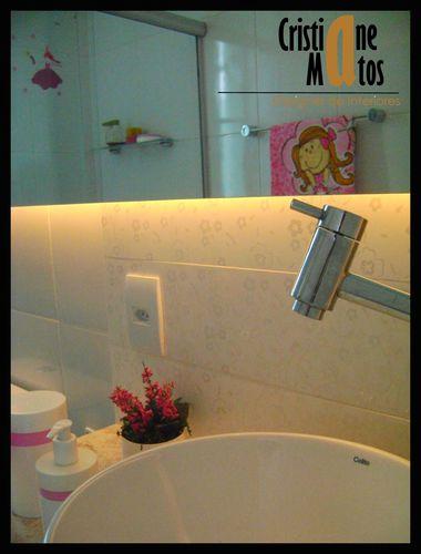 Banheiro de menina de Cristiane Matos D Costa Ferreira  61027 no Viva Decora -> Armario Para Banheiro Ferreira Costa