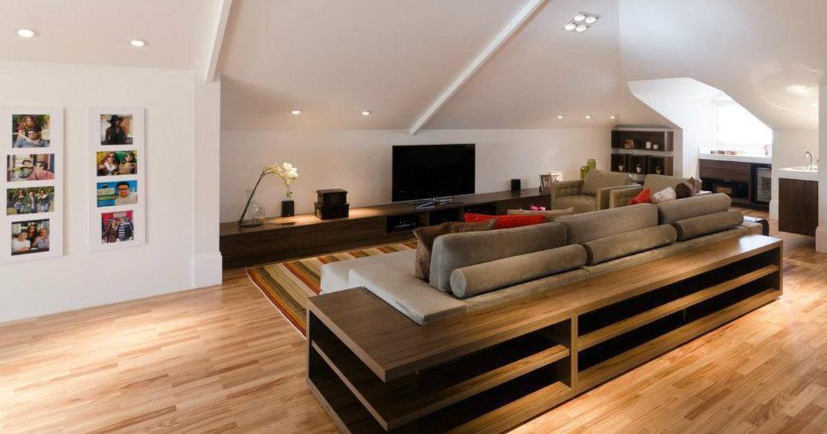 Sala de televis o com piso de taco de leonice alves - Fotos de aticos decorados ...