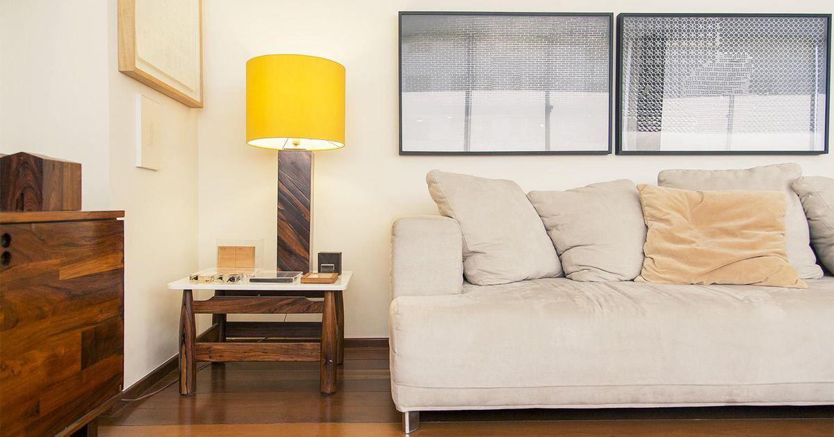 Sala de estar com luminaria amarela de casa aberta 16778 for Sala de estar casa